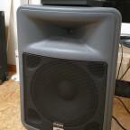 Die einfache und leichte Box für den Bassblockflötisten. Es rumst aber schon fett.